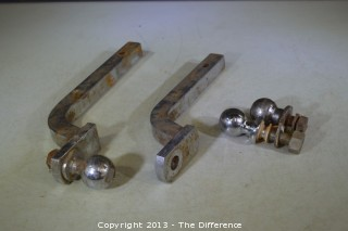 3 Tow Balls & 2 Tow Hitches