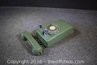 Vintage Green Wall-Hanging Phone