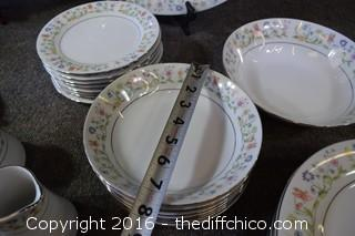 42 Pieces of Crown King China - Susan Pattern