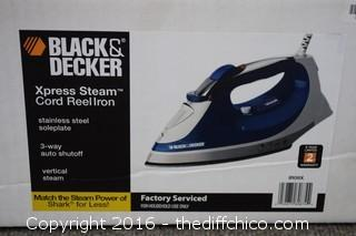 Black  & Decker NIB Iron