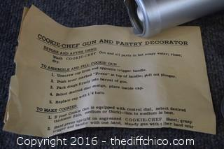 Cookie Chef Gun & Pastry Decorator w/Instructions & Box