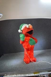 32-inch Christmas Elmo - Lights Up