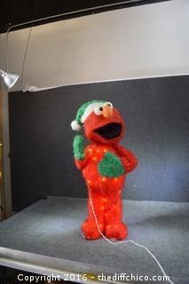 32-inch Christmas Elmo - Lights Up
