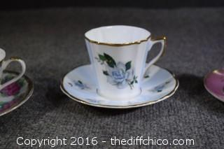 4 Cup & Saucer Sets