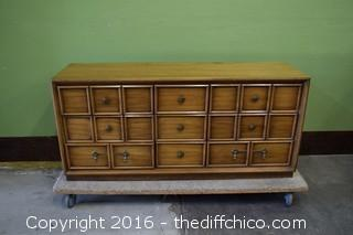 Drexel 9 Drawer Dresser