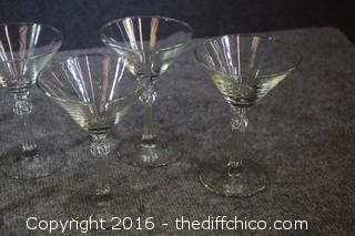 8 Martini Glasses
