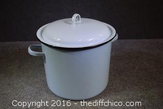 Vintage Light Blue Enamel Pot w/Lid & Steamer