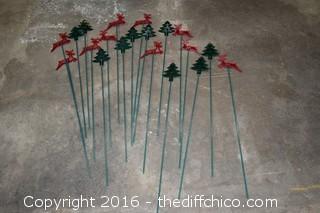 20 Plastic Lawn Reindeer & Tree Decorations