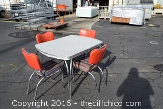 Vintage Virtue Gray & White Chrome Table w/4 Chairs