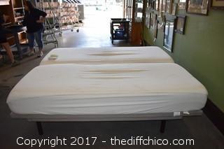 Adjustable Bed w/2 Remotes