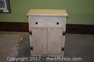 Cabinet w/drawer & storage