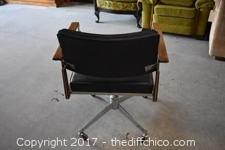 Swivel Rolling Office Chair