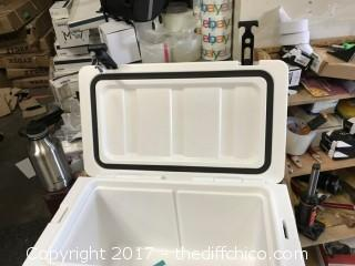 Driftsun 25 Quart White Ice Chest