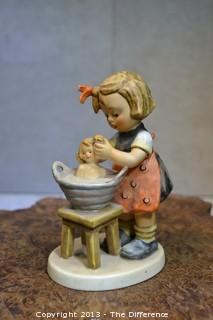 """Hummel """"Doll Bath"""""""