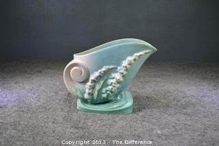 Roseville Pottery Foxglove Cornucopia 166-6