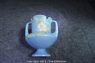 Roseville White Rose Urn/Vase Pottery 146-6