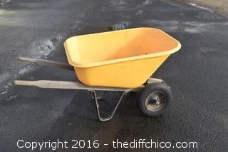 True Temper Plastic Wheelbarrow