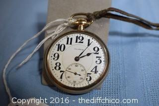 Vintage 1915 Illinois Pocket Watch-Runs