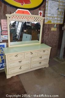 7 Drawer Dresser w/Mirror