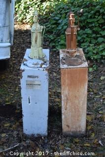 2 Vintage Oil Pumps
