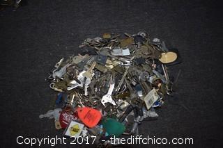 Mixed Lot of Keys
