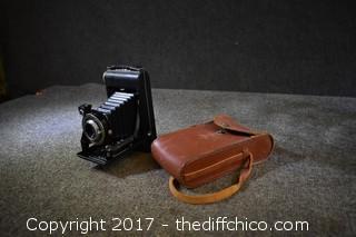 Vintage Kodak Camera w/Case