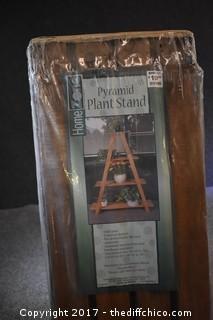 NIB Pyramid Plant Stand