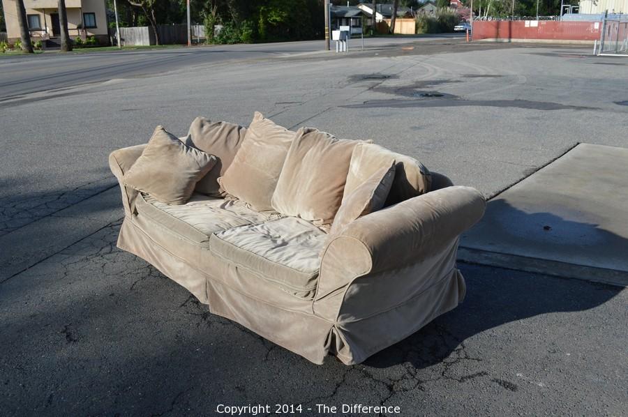 Beautiful Pottery Barn Charleston Slip Covered Sofa Down Blend Cushions