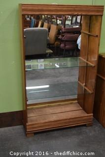 Glass Display Case w/Lights-missing 1 shelf