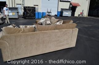 2 Piece Sectional Couch w/Pillows