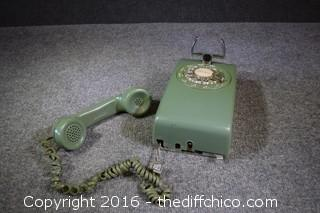 Vintage Green Wall-Hanging Phone