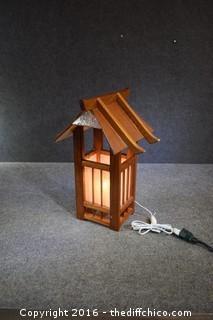Working Oriental Lamp