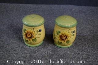 Pair of Rooster Shakers