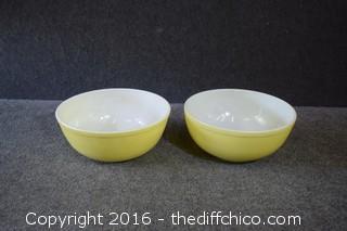 2 Vintage Yellow Pyrex Bowls