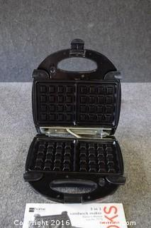 Working Cooks Waffle Maker