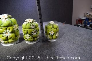 Canister Set - Small Chip/Glued In Smallest Canister