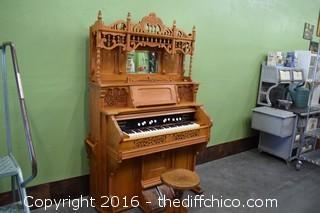 Working Turn-Of-The-Century Oak Pump Organ w/Stool