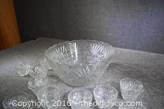 Punch Bowl w/10 Cups & 8 Cup Hooks