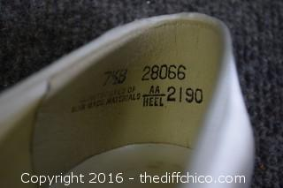 Dyeable Shoes - Size 7-1/2 B