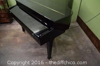 Van Koevering Interactive Baby Grand VIP 950 Piano Model 1179 & Black Adjustable Stool