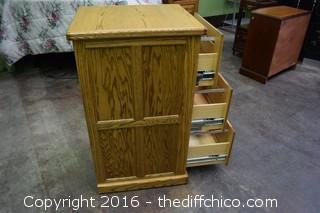 Oak 3 Drawer File Cabinet w/Key