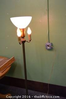 Working Vintage 61in tall Pole Lamp