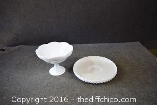 2 Pieces of Milk Glass-Compose has Manufacture Defect