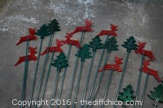 20 Plastic Lawn Reindeer & Tree Decorations