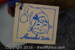 1996 3in Annalee Christmas Caroler