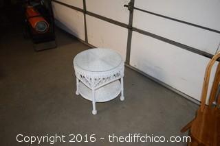 White Wicker Table w/Glass Top
