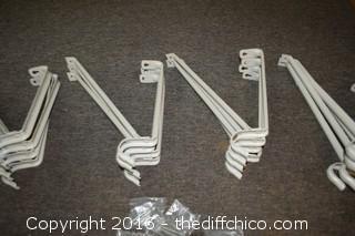 16 Closet Hangers