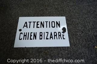 Metal Attention Chien Bizarre Sign