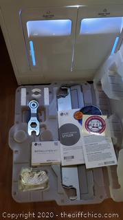 *NEW* see description ($1400) LG Styler Wi-Fi Enabled Steam Clothing Care System