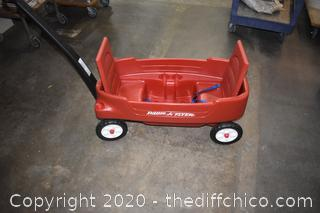 Radio Flyer Plastic Wagon-look @ the drink holders